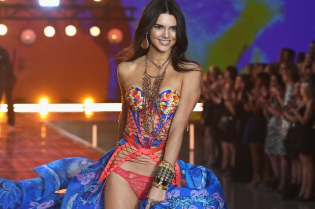 kendall-jenner-victorias-secret-fashion-show-2015-1200x801-850x567